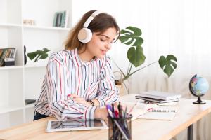 Chăm chỉ luyện nghe là cách học tiếng Anh online miễn phí tốt nhất